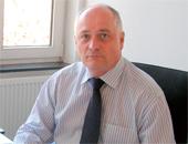 Prof. Dr. med. Stephan Letzel leitet das Institut für Arbeits-, Sozial- und Umweltmedizin an der Johannes-Gutenberg-Universität, Mainz, sowie das neu gegründete Institut für Lehrergesundheit, das diesem angegliedert ist.