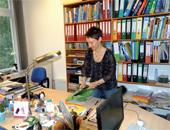 Lehrkräfte und Referendare verfügen über einen eigenen Arbeitsplatz, der auch ausreichend Stauraum für Materialien bietet.