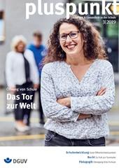 """Cover pluspunkt 03-2019 zum Thema """"Öffnung von Schule - Das Tor zur Welt"""" zeigt  das Portrait von Funda Erler. Sie ist Oberstudienrätin und an der Stadtteilschule am Hafen in Hamburg zuständig für Berufsorientierung und Öffentlichkeitsarbeit."""