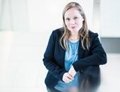 Portrait von Anna Sedlak. Sie ist Schulpsychologin am Kompetenzzentrum Schulpsychologie Hessen in Frankfurt am Main, einer Einrichtung des Hessischen Kultusministeriums in Kooperation mit der Johann-Wolfgang-Goethe-Universität Frankfurt.